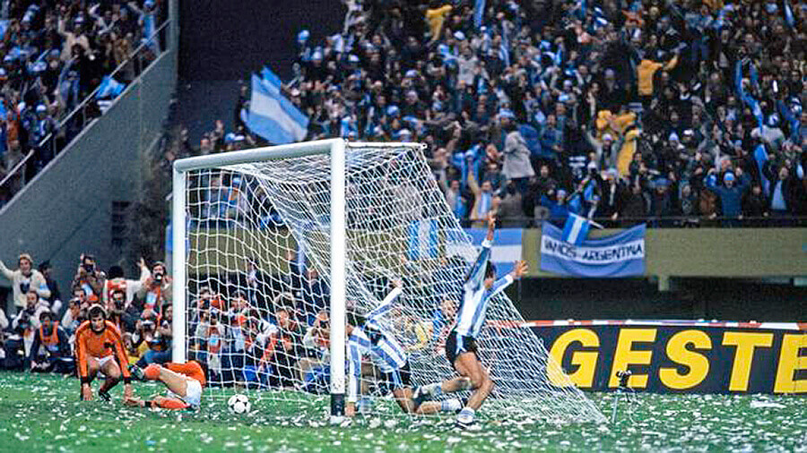 - Copa Mundial de Fútbol I: La Gran Historia 2