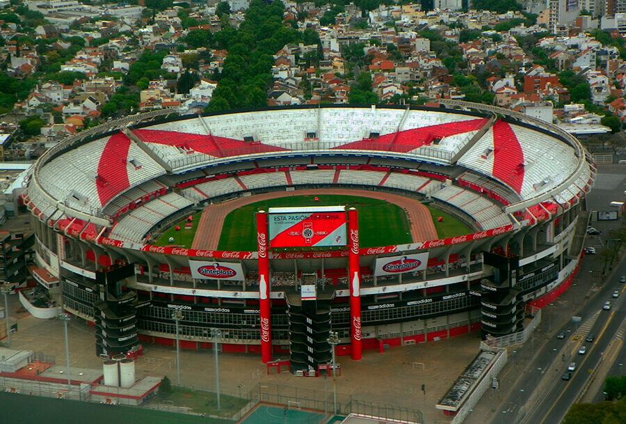 - Copa Mundial de Fútbol I: La Gran Historia 4
